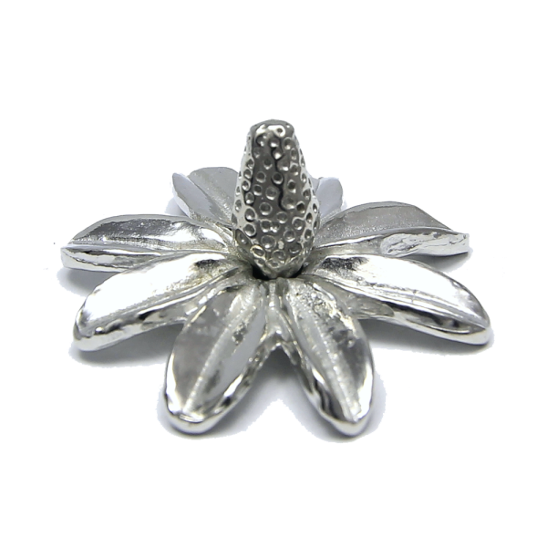 Daisy Flower Ring Holder handcrafted in Pewter