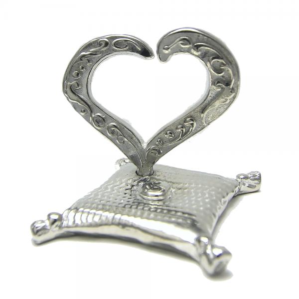 Open Heart on Pillow Ring Holder