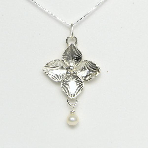 Celtic Qua trefoil Flower Necklace - Lucina K.